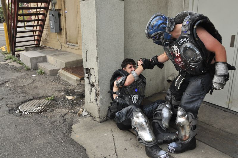file_7997_cosplay-gears-of-war