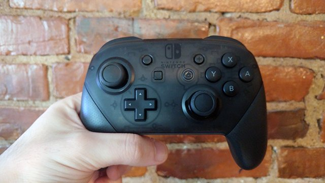 Switch's Pro Controller Feels Great, But Its Analog Sticks
