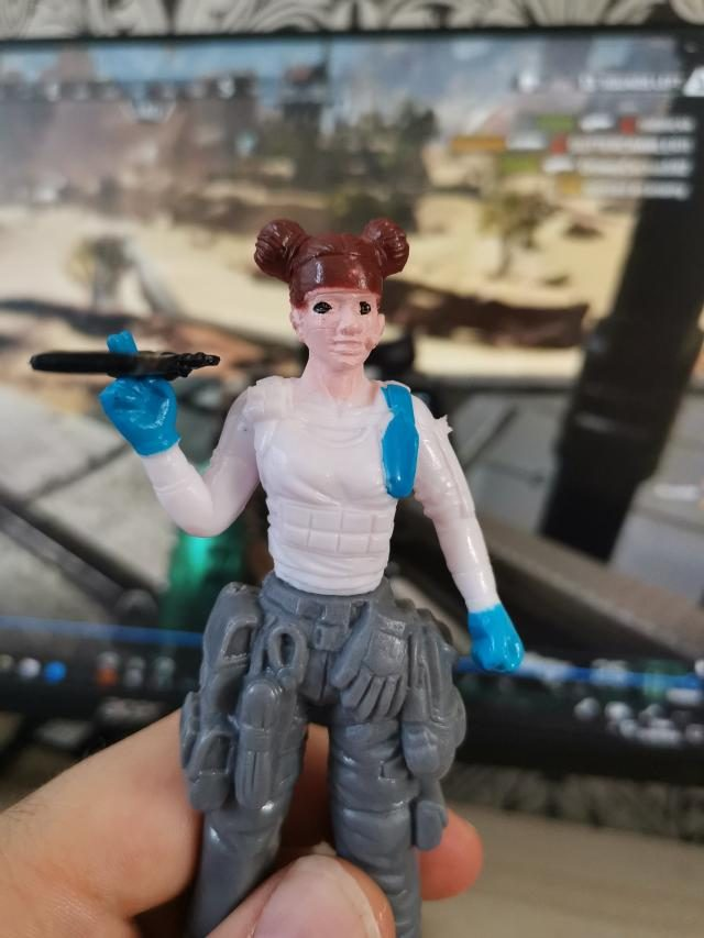 Apex Legends China Figure Lifeline with Peacekeeper